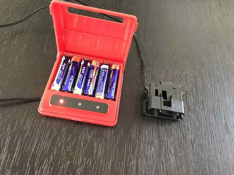 メモリーキーパーに電池を入れた状態