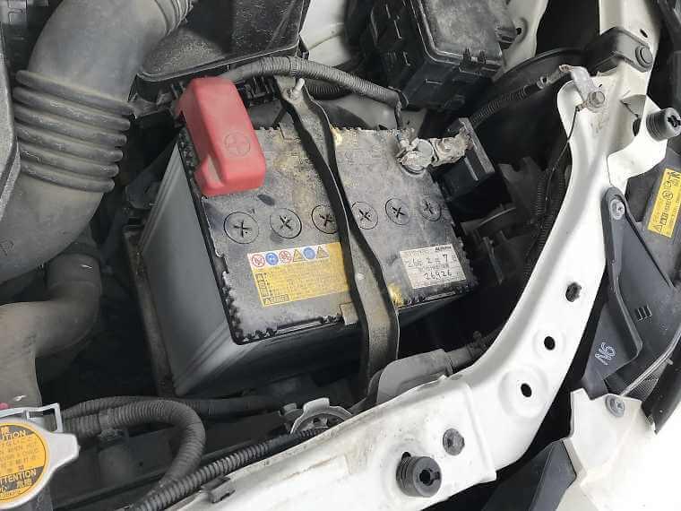 古いバッテリーの設置状況