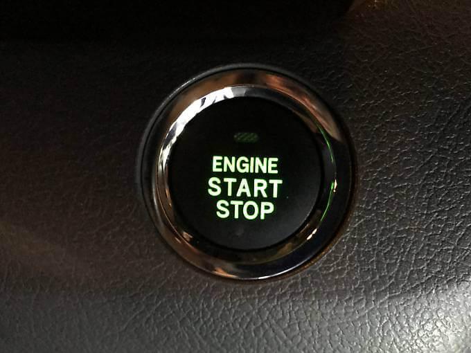 ノアの始動停止ボタン