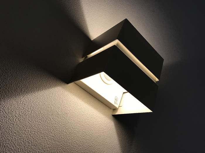リビングの調光式間接照明