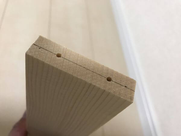 下穴を明けた木材