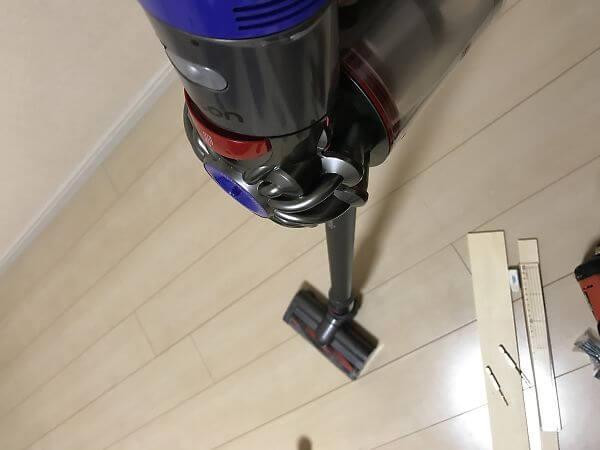 ダイソンの掃除機で木くずを掃除