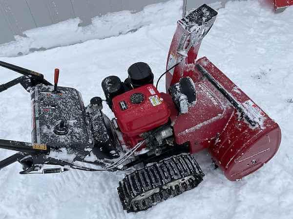 雪上の除雪機