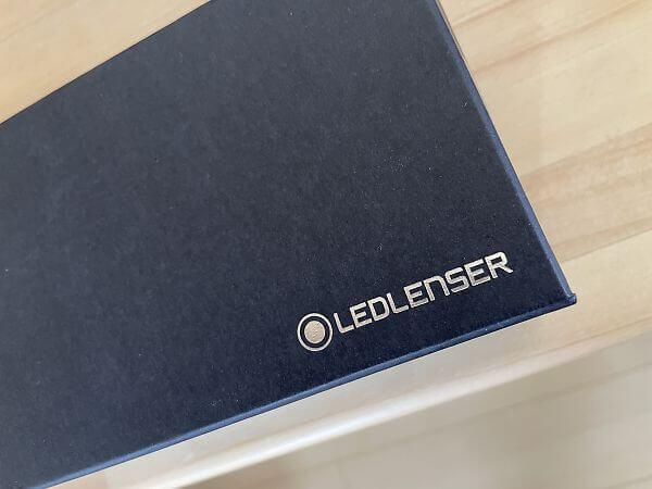 レッドレンザーの外箱ロゴ
